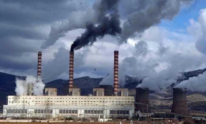 Внешние причины, которые могут спровоцировать заболевание, включают загрязненность химическими отходами атмосферы
