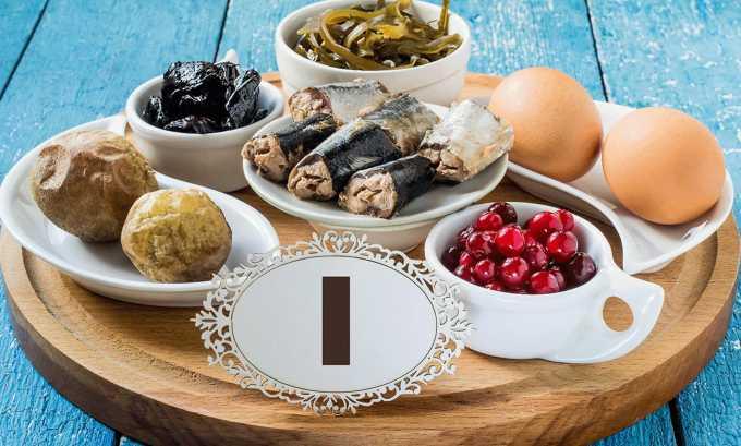 Кроме лекарственной терапии, специалист может порекомендовать соблюдение специальной диеты с повышенным содержанием йода