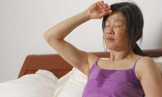 При тиреоидите может появляться чувство жара и повышение потливости