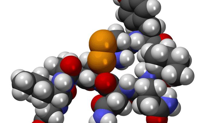 С кровотоком тиреотропин попадает в щитовидку, где воздействует на рецепторы ее клеток, заставляя вырабатывать гормон тироксин Т4