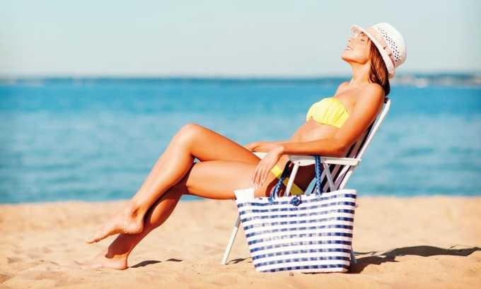 Людям с удаленной щитовидной железой разрешается находиться на жарком солнце не более 2 часов и только в период с утра до полудня
