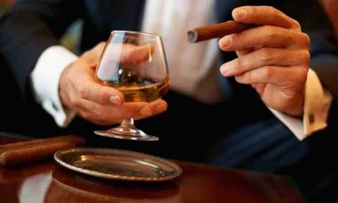 Накануне столь важного исследования следует исключить курение и алкоголь