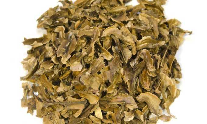 Для лечебной настойки нужно взять 1 стакан перегородок грецкого ореха, залить 0,5 л водки, настаивать 3 недели