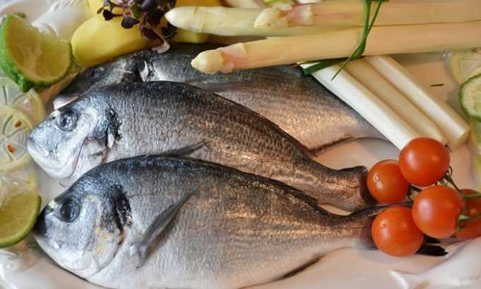 Рыба нежирных сортов (тресковые, камбала, судак и пр.) - содержат белок, жирные кислоты, фосфор и йод для железы