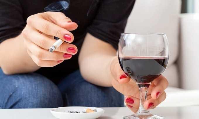 Патология, на фоне которой развивается кашель, появляется из-за курения, употребления спиртного