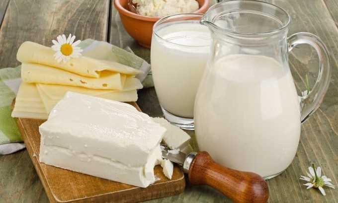 Полезными будут для больного молочные продукты: сыр, йогурт, ряженка, творог