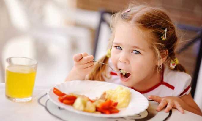 Симптомами гипертиреоза, при котором ТТГ имеет низкий уровень, является повышенный аппетит