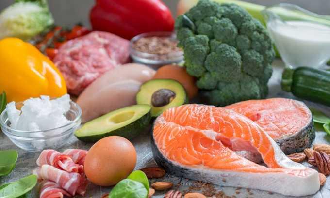 Независимо от стадии развития патологического процесса пациенту следует придерживаться диеты с незначительным содержанием жиров и соли, умеренным потреблением мяса и углеводов