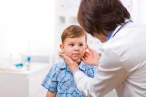 Клиническая картина увеличенной щитовидки у ребенка