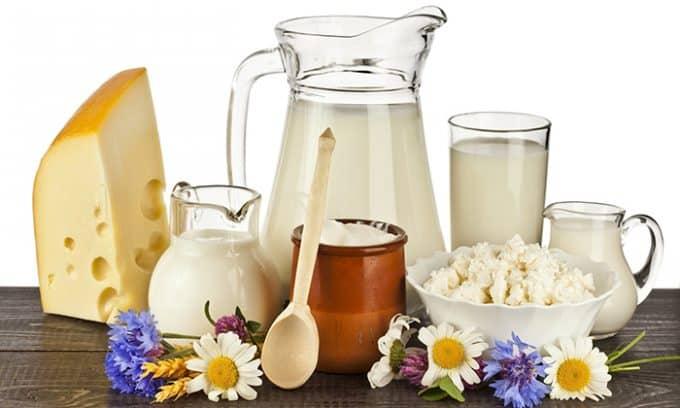 Молоко и молочные продукты - набор питательных веществ и микроэлементов, а также большое количество кальция, важного для усвоения йода щитовидной железой