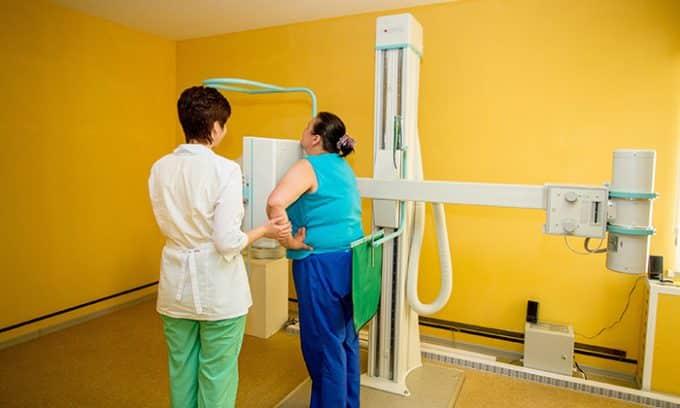 Рентгенография грудной клетки и пищевода или КТ позволяет определить точные размеры узлов и степень компрессии близлежащих органов