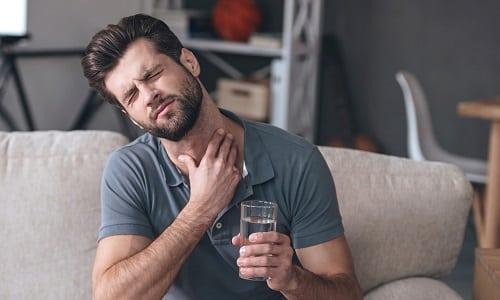 Чаще всего гипотиреоз диагностируют в 45-50 лет, у мужчин это заболевание наблюдается реже, чем у женщин