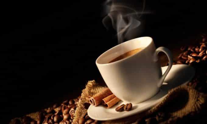 Врачи не рекомендую пить кофе при аутоиммунном тиреоидите