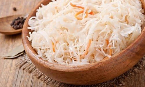 Чтобы предотвратить развитие заболевания щитовидки, нужно уменьшить употребление квашеной капусты