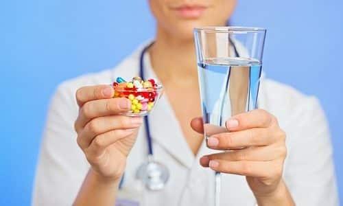 Некоторым пациентам для нормальной работы организма придется принимать гормональные препараты всю жизнь