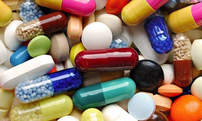 Дополнительно могут назначаться йодосодержащие добавки, витамины, иммуномодуляторы
