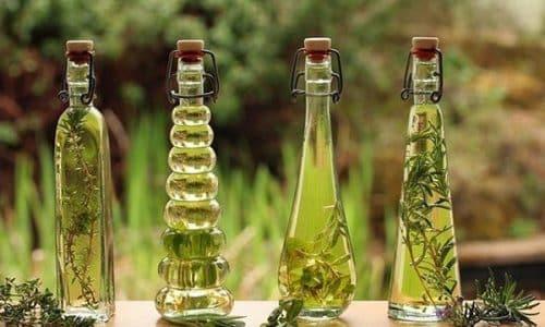 Масла лекарственных растений используют для наружных аппликаций на область щитовидной железы