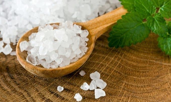 Хорошие результаты показывает терапия гипотиреоза раствором морской соли
