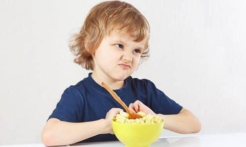Дети, которые страдают от гипоплазии, очень плохо едят