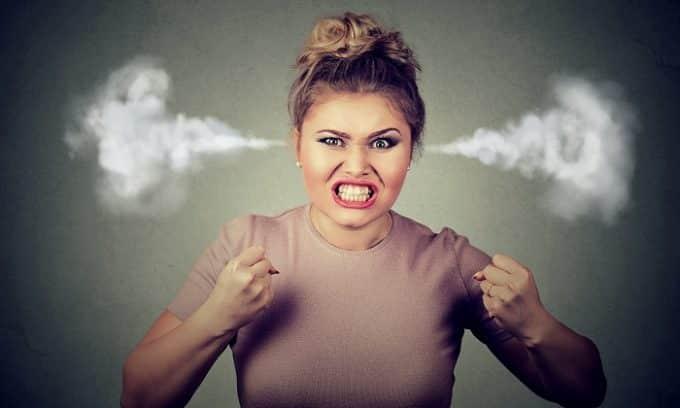 Беременная женщина становится раздражительной и нервной