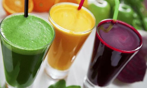 При аутоиммунном тиреоидите наиболее полезны морковный, свекольный, огуречный, капустный и другие овощные соки