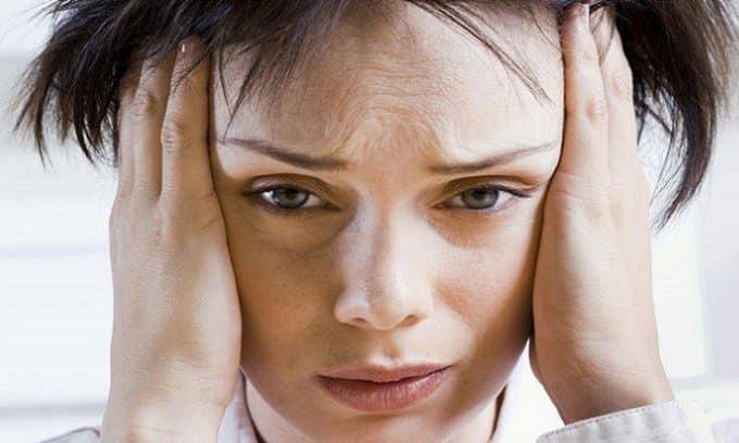 Апатия или повышенная раздражительность может быть следствием нарушения работы щитовидки