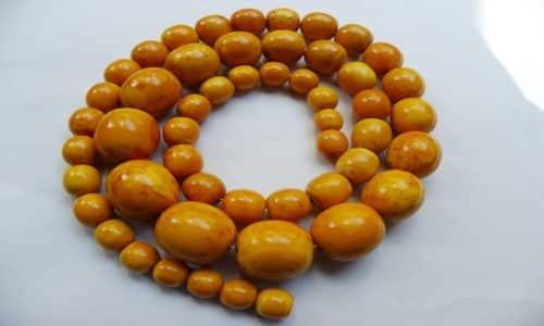Для профилактики и восстановления щитовидной железы подойдет ожерелье, состоящее из камней разной величины